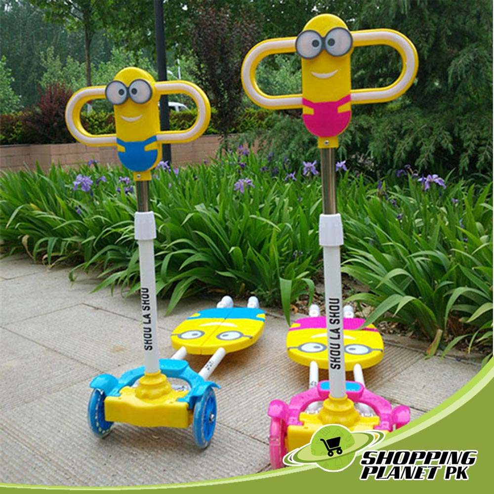 Four Wheels Minion Cartoon Kids Scooter