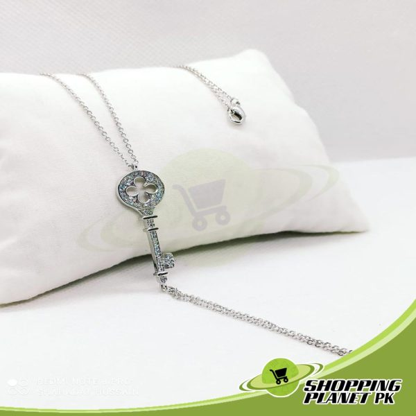 Elegant Locket Chain4