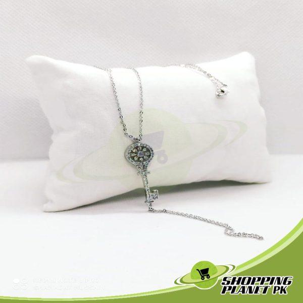 Elegant Locket Chain5